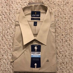 Stafford Travel Broadcloth Dress Shirt
